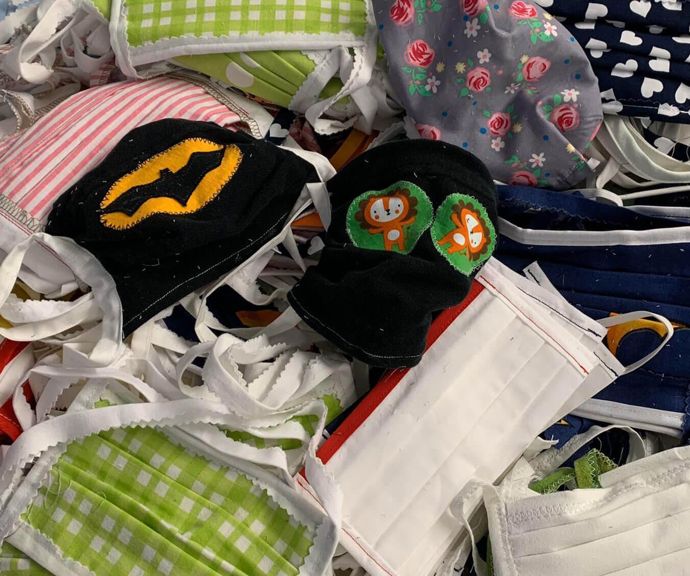 Große Spendenaktion: selbstgenähte Schutz-Masken für das AKH-Viersen