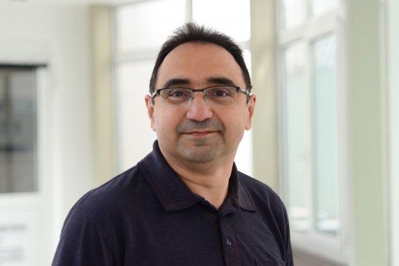 Dr. med. Ali Sharifi